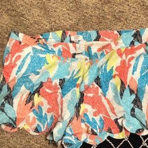 Scalloped trim shorts